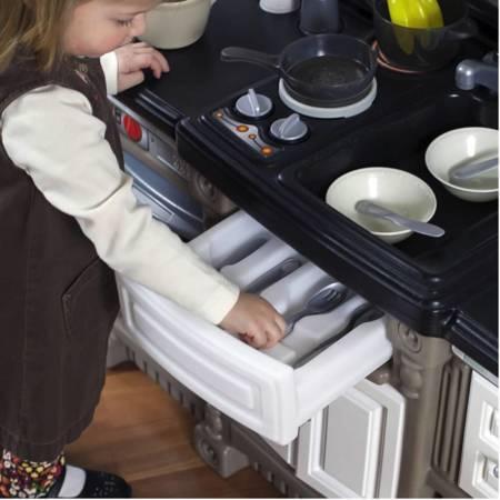 Step2 Stylowa Interaktywna Kuchnia + Dźwięk + Akcesoria 37 szt